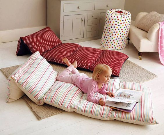 How to Make a Pillow Bed for Your Kids| Pillow Bed, Pillow Bed for Kids, Kid Stuff, DIY Pillow Bed, Kids, Kid HAcks, Popular Pin #KidStuff #KidHacks