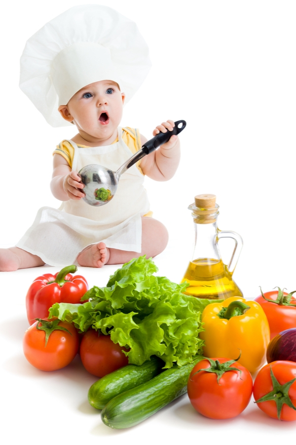 Do you know you can make nutritious homemade baby foods right at home? Here are the best tips and tricks for making your baby food right at home.